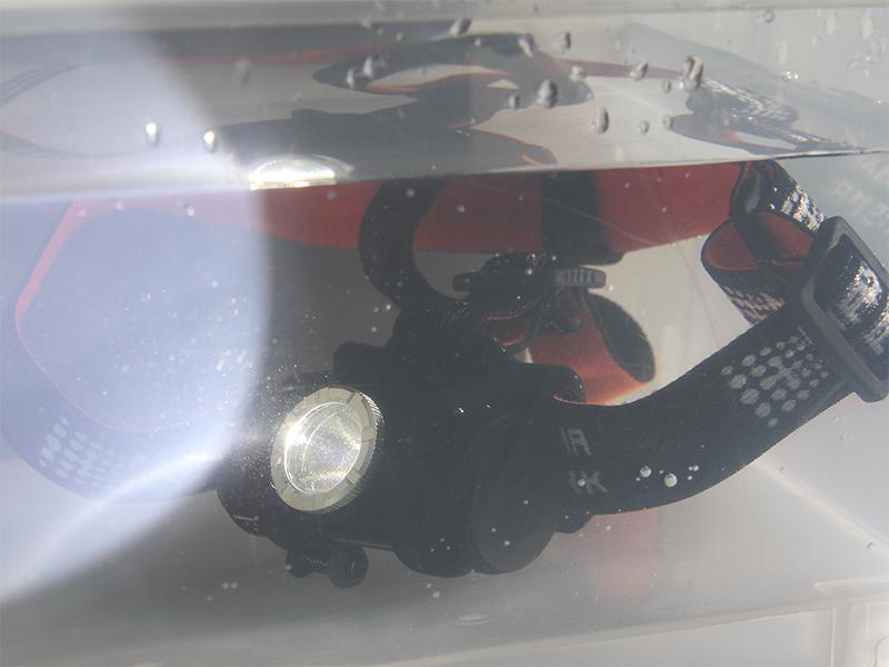 マキシマスパーク 2WAY LEDヘッドライトのメインの特徴(丸洗い可能(防水仕様))