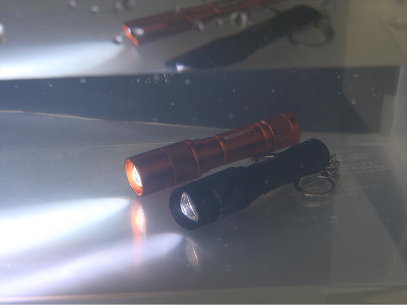 マキシマスパーク LEDマイクロキーライトのメインの特徴(安心の防水性)