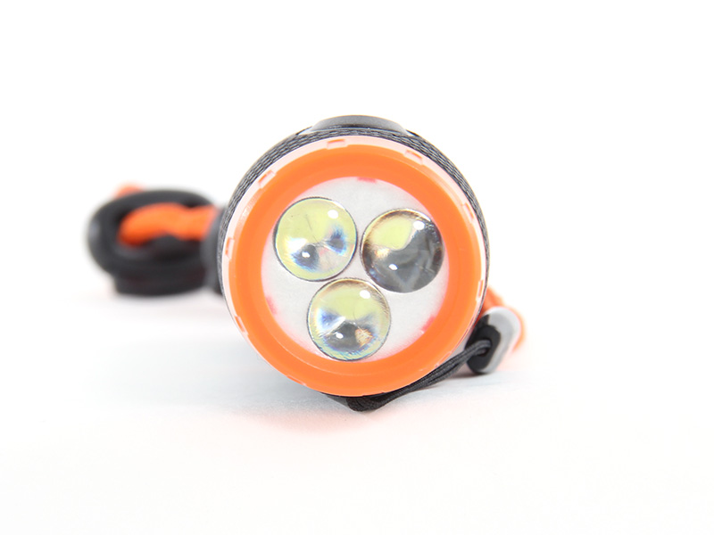 自力発電LEDヌンチャクライトの各部の特徴(白色LEDチップ3基搭載)