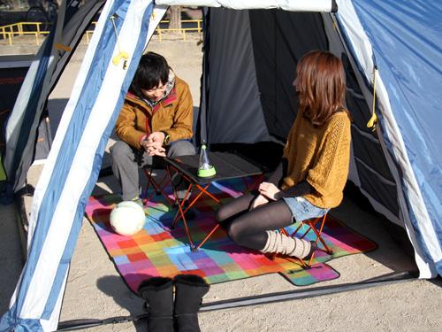 2ルームワンタッチテントの使用の一例