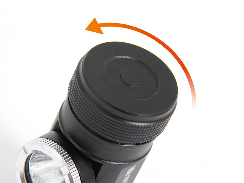 マキシマスパーク 2WAY LEDヘッドライト電池の入れ方画像