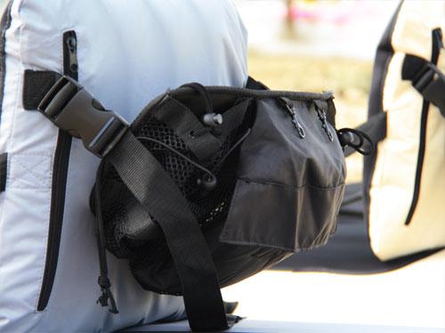 シットオンカヤックの各部の特徴(シートバッグ)