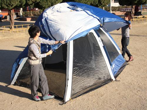 2ルームワンタッチテントの収納/撤収方法