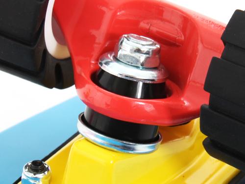 アウトドアスケートボードの各部の特徴(ミドルクッションブッシュ)