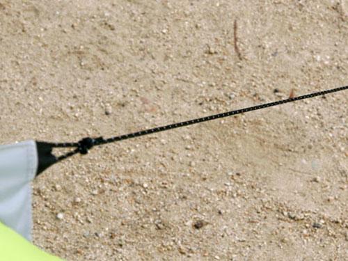 ワンポールテントの各部の特徴(ストームロープ)