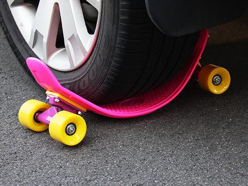 アウトドアスケートボードの各部の特徴(ハイストレッチデッキ)