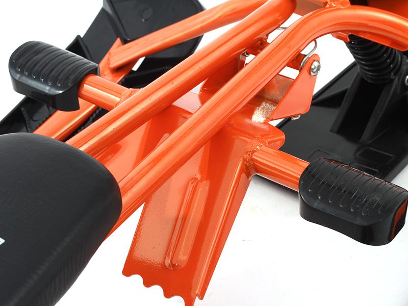 スノースライダーの各部の特徴(フットブレーキ)