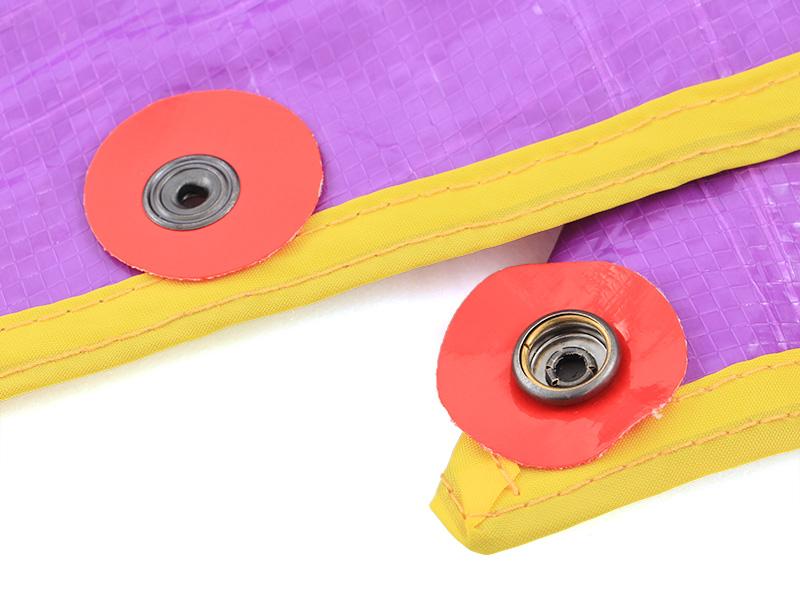 折り紙レジャーシートの各部の特徴(カラーボタン)