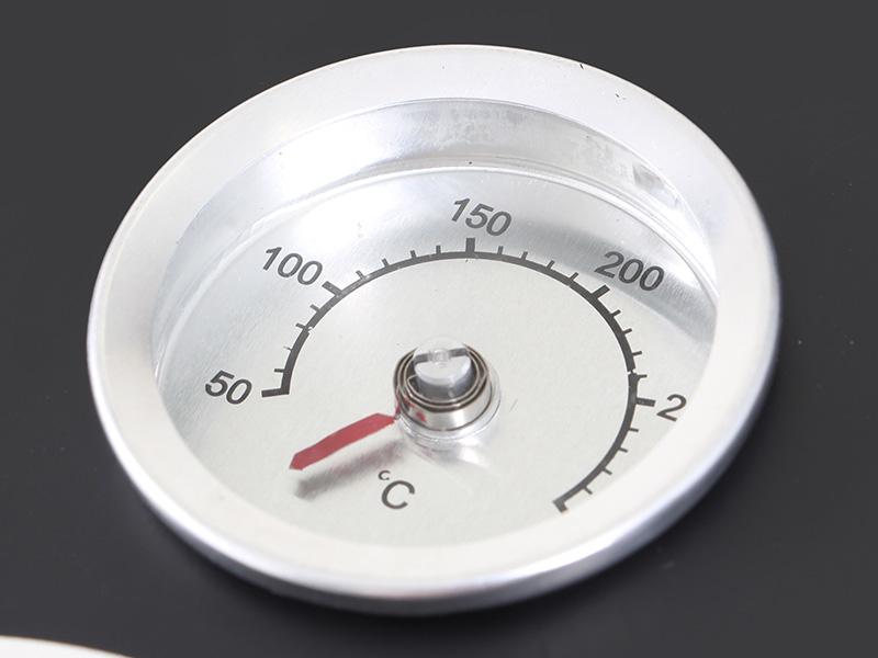 アメリカンBBQ&スモークグリルの各部の特徴(温度計)