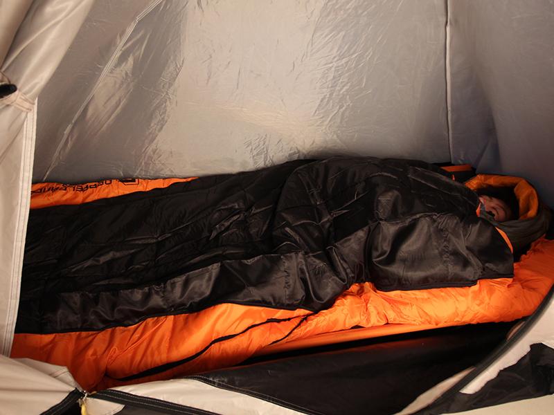冬キャンプ防寒寝袋セット就寝時の様子画像