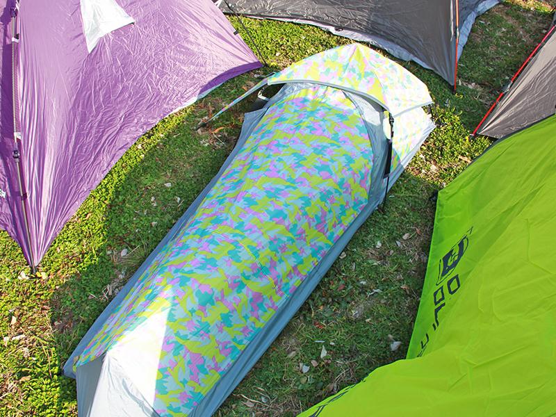 スキマテントのメインの特徴(野外フェス会場への到着が遅くなってもステージ近くにテントを張れる)