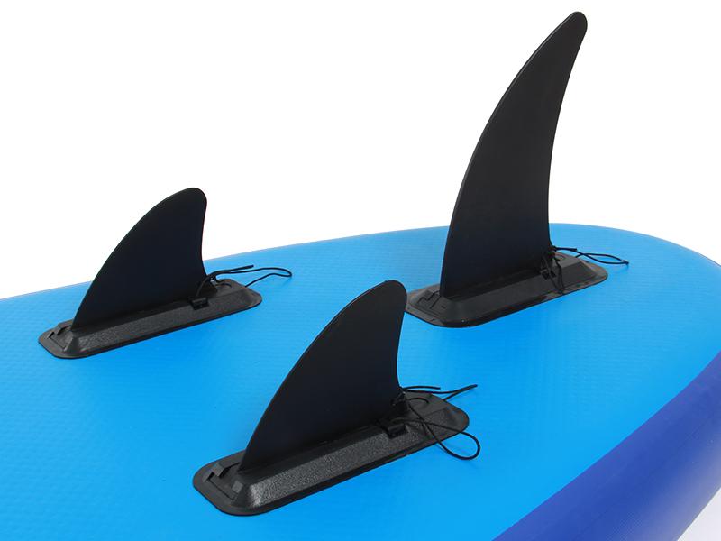 スタンドアップパドルボードロングの各部の特徴(工具不要で取り付けられるフィン)