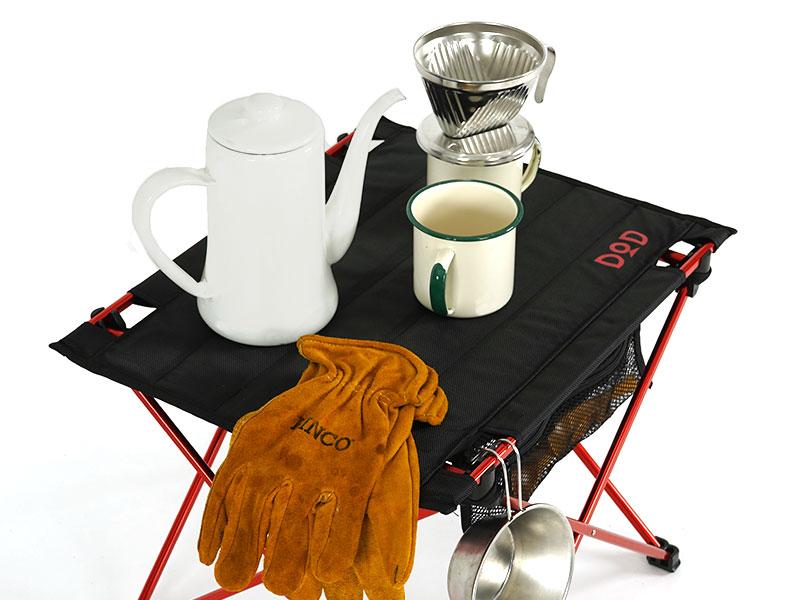 ライダーズテーブルのメインの特徴(缶やコップが安定 ハードトップ仕様)