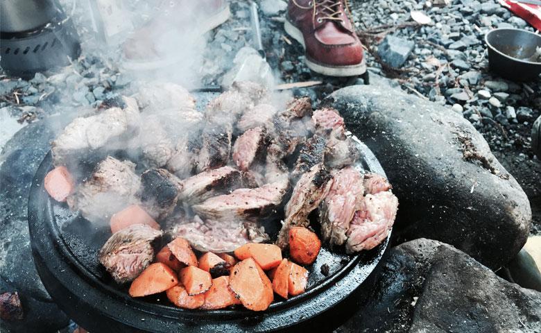 キャンプ歴20年の女子が選んだ「冬キャンプのオススメ料理ベスト5!」
