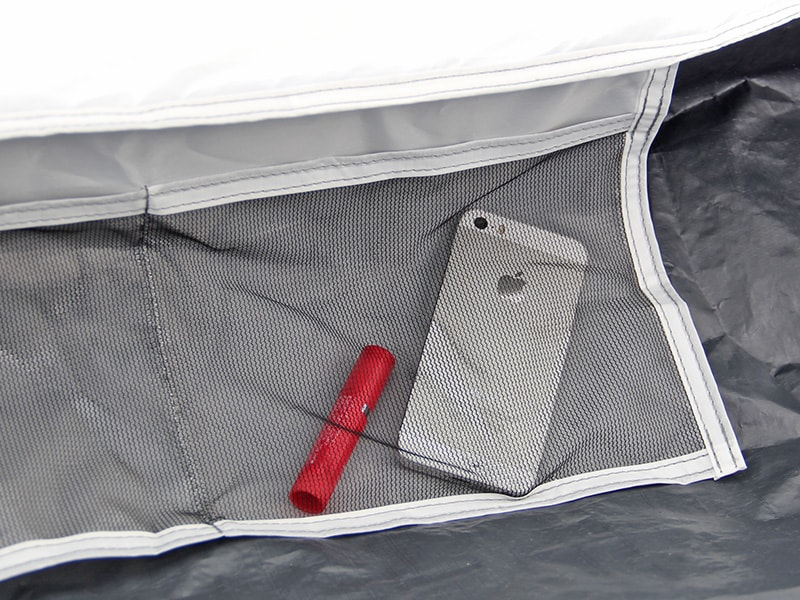 ワンタッチテントの各部の特徴(寝室ポケット)
