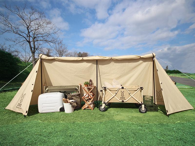 カベテントのメインの特徴(キャンプギアを火の粉や雨から守るストレージ機能)