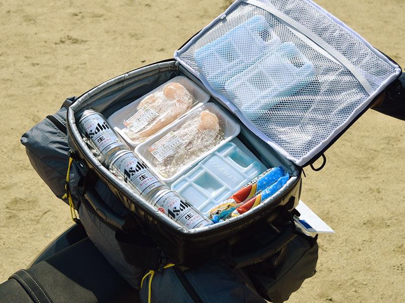 ライダーズクーラーバッグのメインの特徴(ツーリングキャンプで食材を保冷できる)