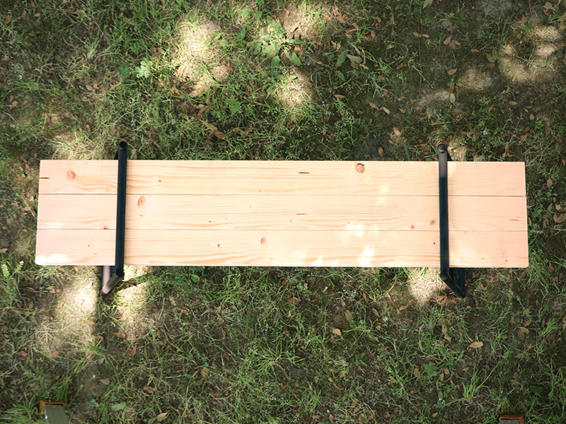 テキーラベンチレッグのメインの特徴(2×4木材を入れてベンチに)