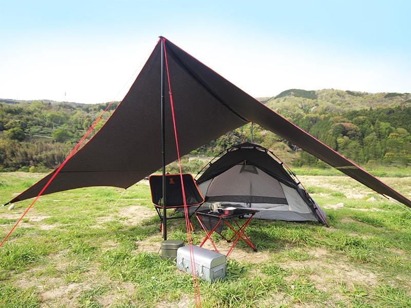 さすらいタープのメインの特徴(テントの前室として使用可能。)