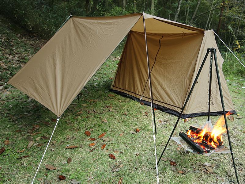 パップフーテントの各部の特徴(火の粉や雨から寝室を守る特殊ドア構造)