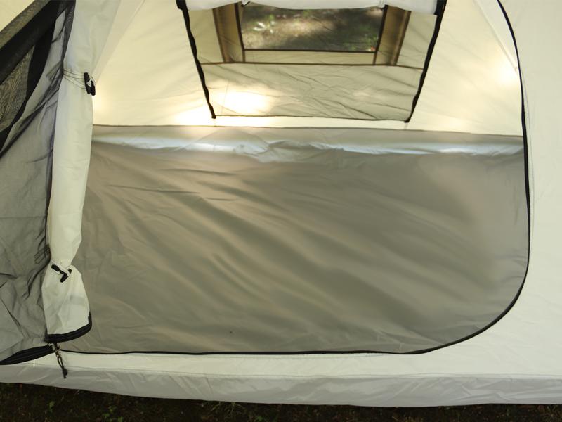ライダーズバイクインテントの各部の特徴(広い寝室)
