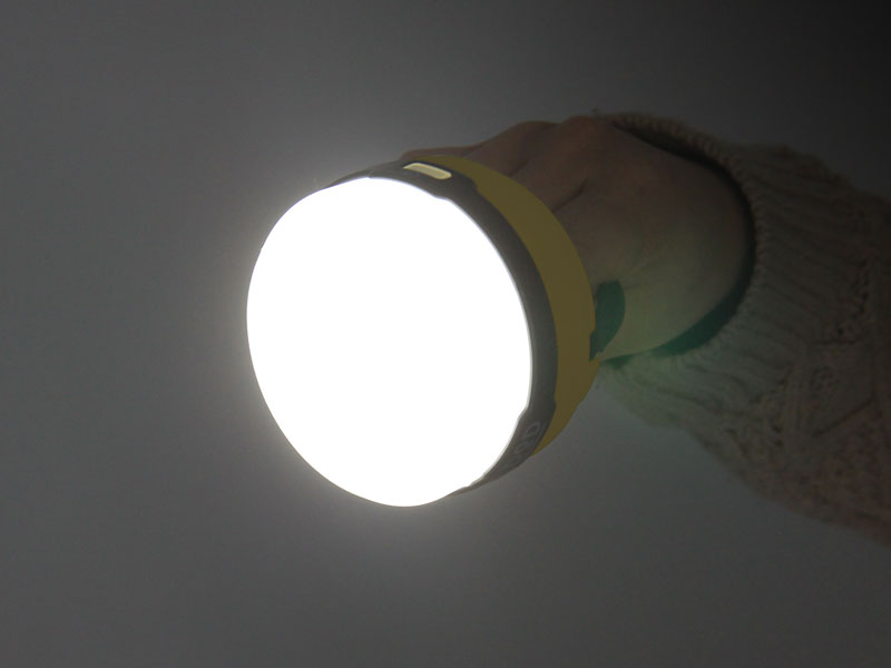 LEDソーラーポップアップランタンの各部の特徴(懐中電灯としての2WAY仕様)