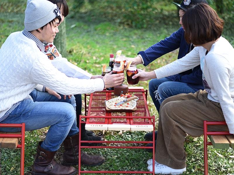 カシステーブルのメインの特徴(家族での食卓に対応する天板サイズ)