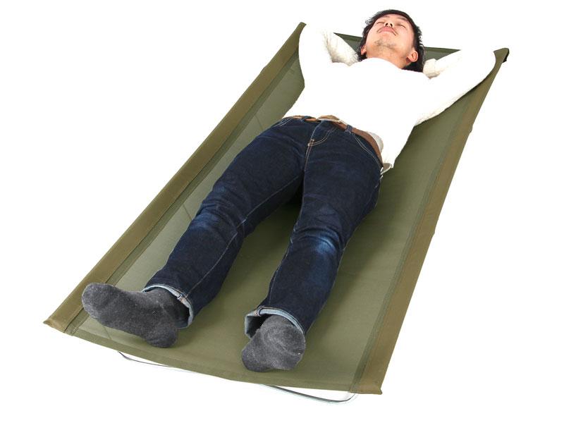 ウルトラクールキャンピングベッドのメインの特徴(ゆったりサイズでのびのび眠れる)