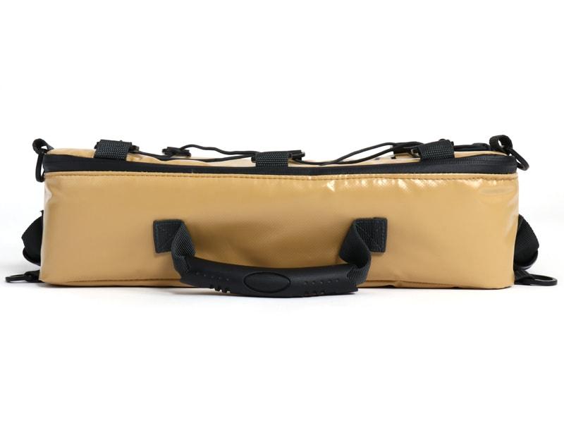 ライダーズクーラーバッグの各部の特徴(積載しやすい形状)