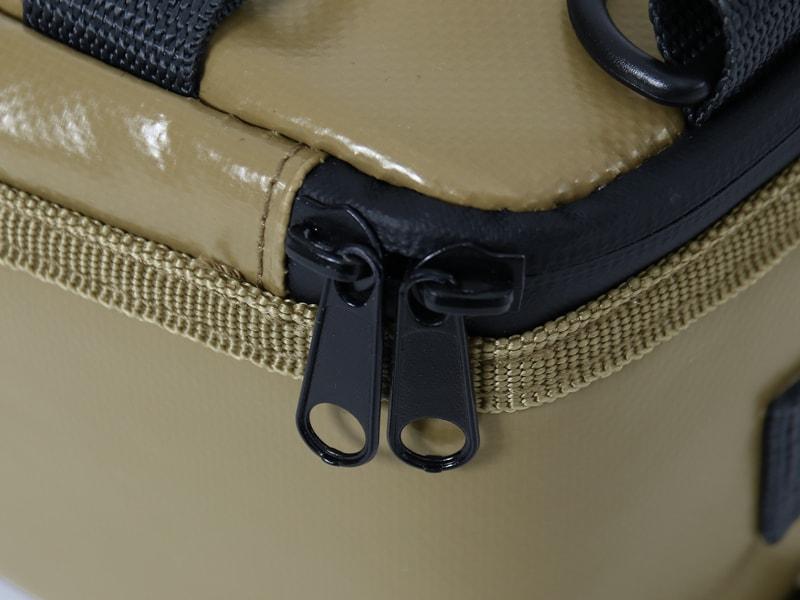 ライダーズクーラーバッグの各部の特徴(止水ファスナー)