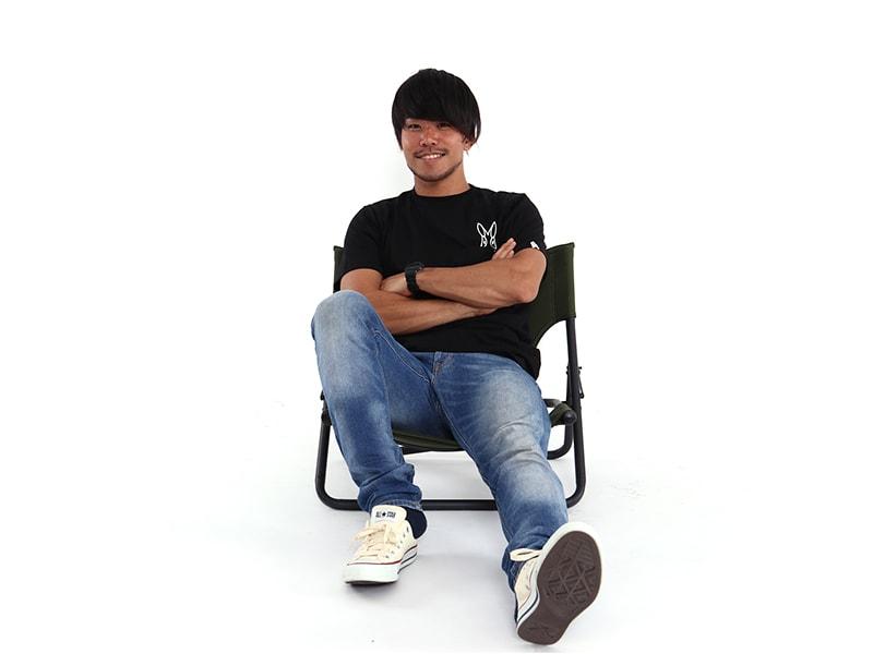 タキビチェアの各部の特徴(ゆったり座れるワイドな座面)
