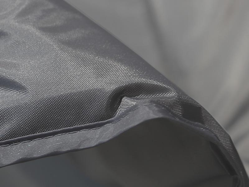 3人用テントマットのメインの特徴(地面の凸凹を吸収する6mm厚インナーマット)