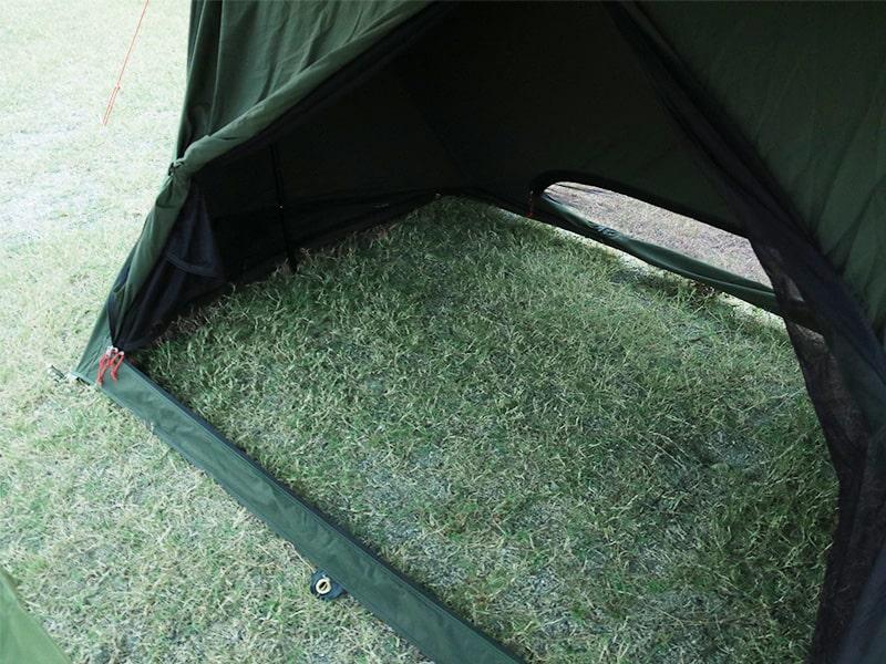 パップフーテント2のメインの特徴(風や虫が入り込まない特殊フロアレス構造)