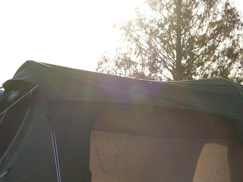 カマボコシールドMのメインの特徴(カマボコテントの遮光性アップ)