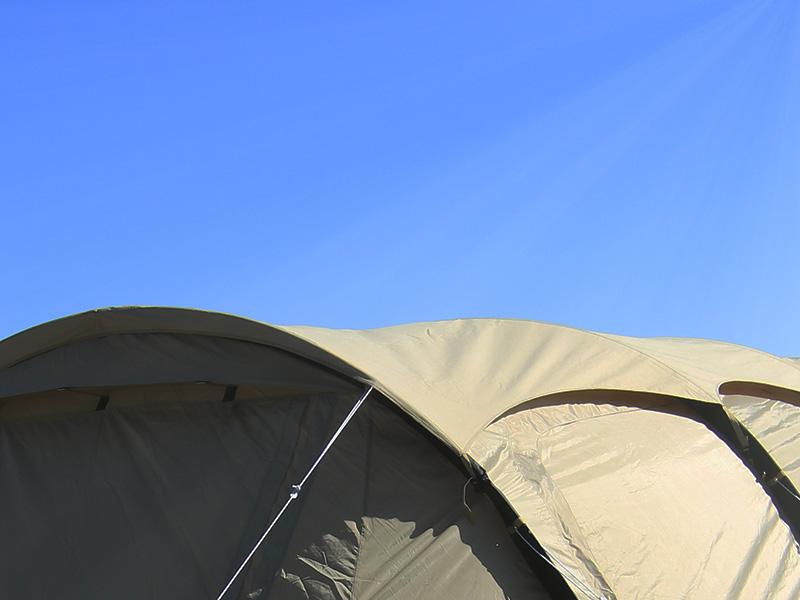 カマボコシールドSのメインの特徴(カマボコテントの遮光性アップ)