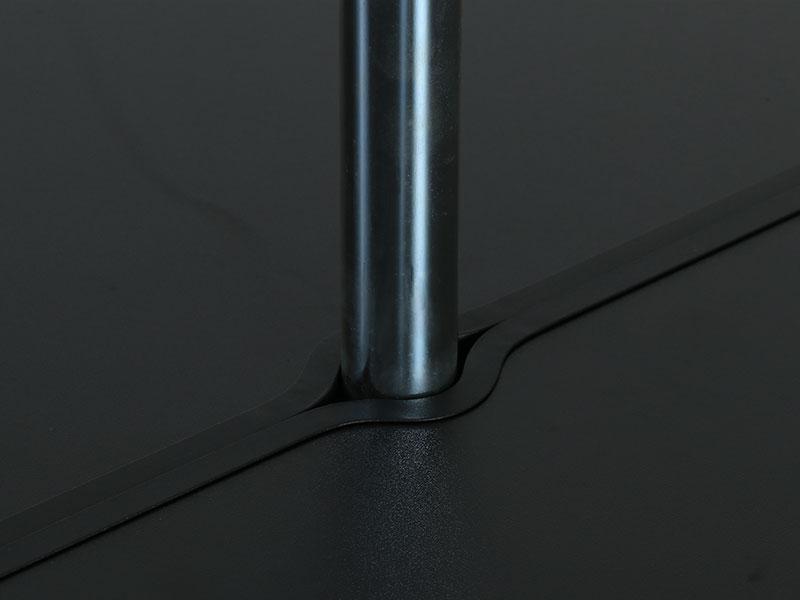 ワンポールテントテーブルの各部の特徴(幅広い対応直径)