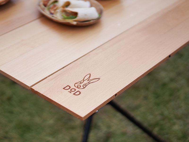 ジミニーテーブルのメインの特徴(ウッド天板が地味にいい)