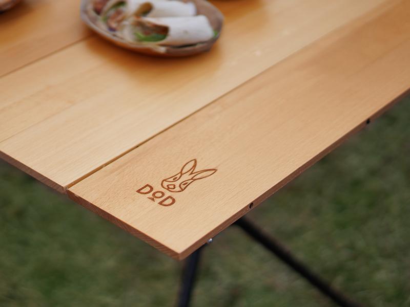 ジミニーテーブルМのメインの特徴(ウッド天板が地味にいい)