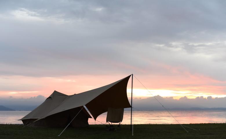 名前以外もこだわってます。オーマイロンリナイイッツマイライフタープがソロキャンプを盛り上げるワケ。